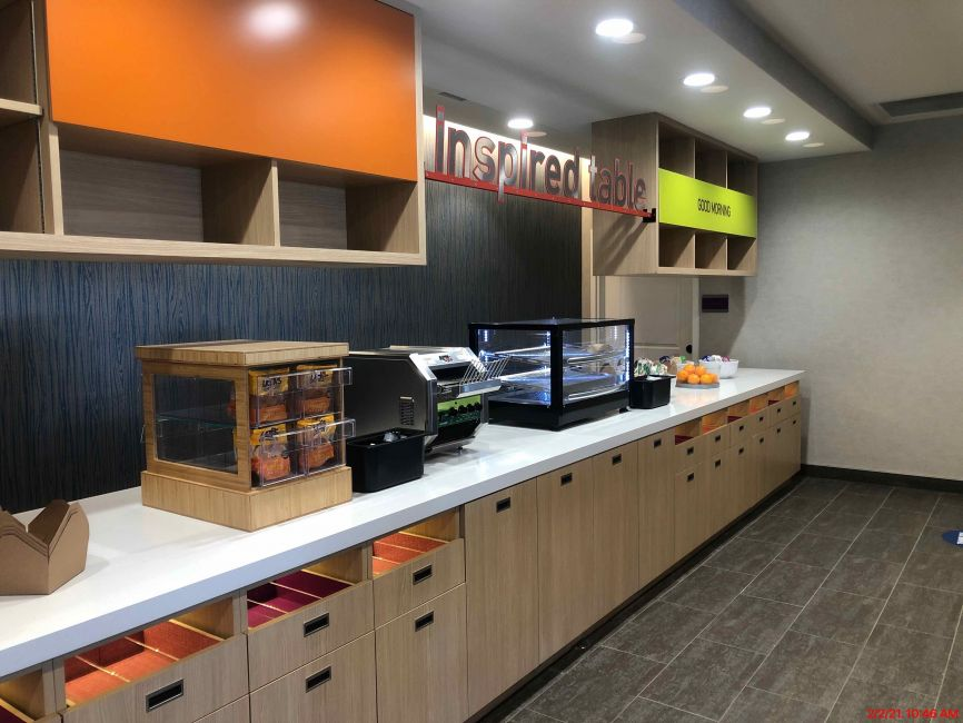 Home2 Suites - Fishers, IN - Breakfast Buffet